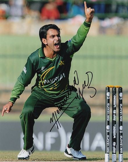 Mohammad Hafeez, Pakistan, T20 captain, signed 10x8 inch photo.